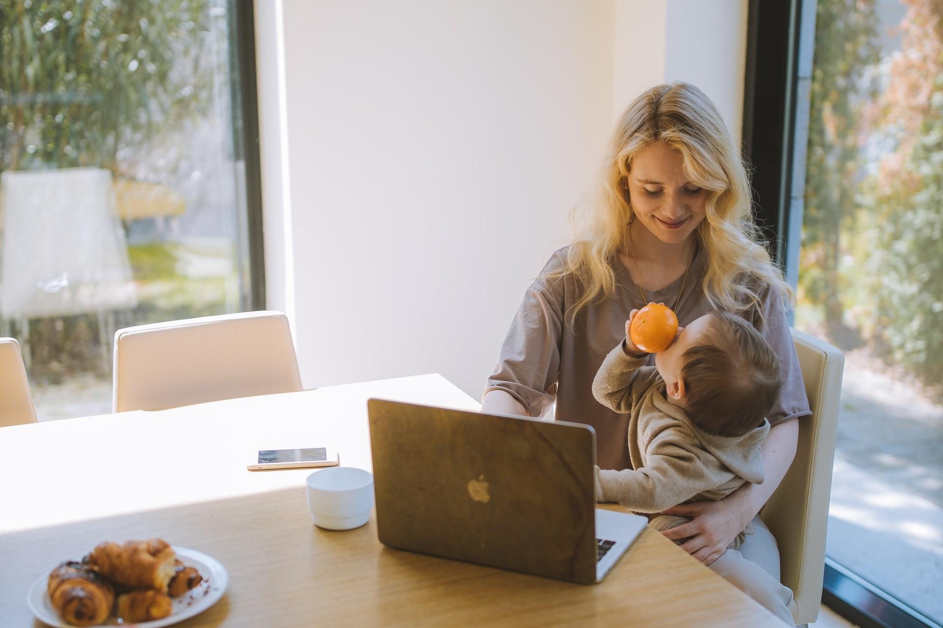 Conseils pour créer une liste de naissance en ligne ou en magasin
